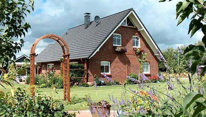 holzhaus bausatz preis holzhaus bausatz preis fertighaus aus holz bauen holzhaus bausatz preise. Black Bedroom Furniture Sets. Home Design Ideas